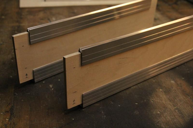Closing profiles and casemakers on plywood with markings for casemaker corners